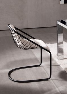 Cantilever chair CORTINA by Minotti | #design Gordon Guillaumier
