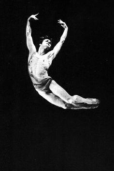 "1974, Baryshnikov's ""special evening"". Mikhail Baryshnikov in the ballet ?Daphnis and Chloe? (choreographer M.Murdmaa). ?????????? ????? ???????????. ????? ""?????? ? ????"" (????????? ?.???????)."