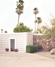 Palm Springs desert house 60's architecture