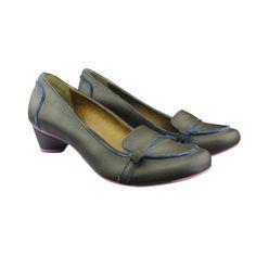 """Sapato na combinação 'café+azul+rosa"""" da coleção de inverno 2014 Cristófoli"""