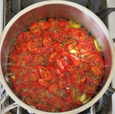 Hot Pepper Rings in Olive Oil with Garlic Hot Pepper Oil Recipe, Hot Pepper Recipes, Hot Pepper Sauce, Hot Peppers In Oil Recipe, Hot Sauce, Canning Hot Peppers, Pickled Hot Peppers, Stuffed Pepper Soup, Stuffed Hot Peppers