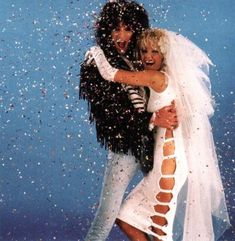 10 Musician's Iconic Weddings | Tommy Lee & Heather Locklear | Style Vanity