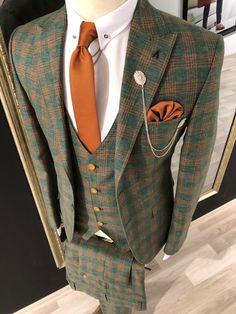 Collection : Spring - Summer : Slim-Fit plaid suit vest khaki Color code : KHAKİAvailable Size : material : viscon , polyester , elestan Machine washable : No Fitting : slim-fit Cutting : double slit, double button Remarks : Dry Cleaner Mens Casual Suits, Mens Fashion Suits, Mens Suits, Plaid Suit, Suit Vest, David Gandy Suit, Costume Vert, Designer Suits For Men, Slim Fit Suits