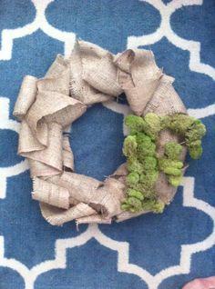 Better Than a Bubble Burlap Wreath: How to make a burlap wreath (SUPER EASY!)