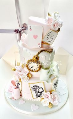 Alice In Wonderland Food, Alice In Wonderland Tea Party Birthday, Alice In Wonderland Decorations, Mad Hatter Party, Mad Hatter Tea, Kids Party Themes, Party Ideas, Disney Cakes, First Birthdays