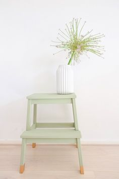 DIY Ikea Hack to transform the Bekvam step stool into a trendy plant stand. Ikea Hacks are so exciting. Because Ikea products are most of the time an excellent mix of modern and refined design which offer a lot … Smart Furniture, Retro Furniture, Ikea Furniture, Furniture Ideas, Furniture Stores, Furniture Movers, Refurbished Furniture, Furniture Outlet, Luxury Furniture