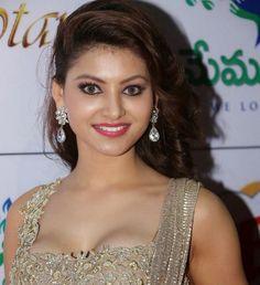 urvashi_rautela_bollywood_actress_pictures_8.jpg (JPEG Image, 900×984 pixels)