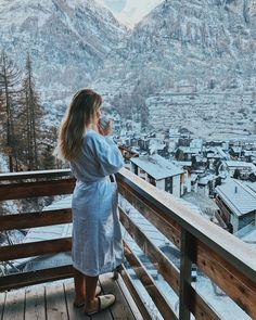 A winter weekend in Zermatt, Switzerland - Best Travel İdeas Zermatt, Grindelwald Switzerland, Beautiful World, Beautiful Places, Foto Glamour, Places To Travel, Places To Visit, Home Decoracion, Vacation Pictures