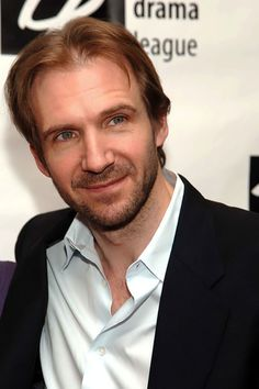 Ralph Fiennes with his best look! Naturale!!! :D <3