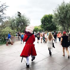 Captain Hook taking a casual stroll through the park, stealing sandwiches & sunglasses (yes, we did see that happen.)  ••• We mention checking character locations on the Disneyland app quite often. It's such a great tool to use while at the parks!  If you or your kids are hoping to meet Peter Pan & Captain Hook, Mary Poppins & Bert, or Alice & the Mad Hatter, keep in mind, they don't always stay in one spot! You might catch them wandering around areas in Disneyland. If you see any of thes...