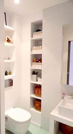 optimisation petite salle de bain: Salle de bain de style de style Moderne par Agence KP