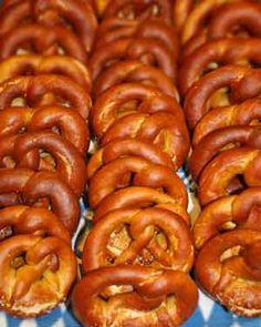 German Homemade Pretzels - authentic bakery style http://www.quick-german-recipes.com/homemade-pretzels.html
