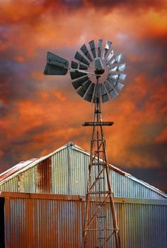 Go Green 4 Health. Successful Experts Share Their Solar Energy Advice With You. When thinking about alternative energy sources, solar energy is one that most people think of first. Farm Windmill, Country Living Decor, Old Windmills, Le Far West, Old Farm, Le Moulin, Go Green, Farm Life, Wind Turbine