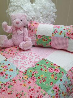 2pce  Shabby Chic Girls Baby Alice Cot Quilt  Vintage Style Patchwork Floral