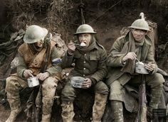 British soldiers eating hot rations in the Ancre Valley during the battle of the Somme, October Ministry of Information First World War Official Collection. (Photo by Lt E Brooks/ IWM via Getty Images) Wilhelm Ii, Kaiser Wilhelm, British Soldier, British Army, World War One, First World, Schlacht An Der Somme, Primary History, Ww1 Soldiers
