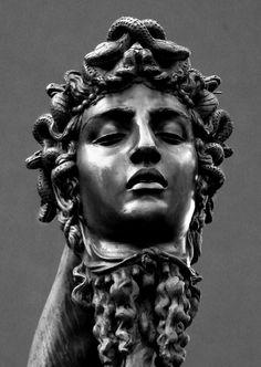 Perseus Und Medusa, Tattoo Sleeve Designs, Sleeve Tattoos, Greek And Roman Mythology, Sculptures, Statue, Artist, Tattoo Ideas, Backgrounds