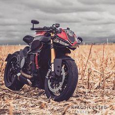 Ducati 1199 Panigale S custom streetfighter / Cafe Racer