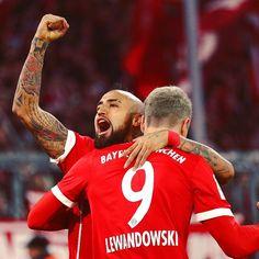 """3️⃣-0️⃣💪🏼 #MiaSanMia #FCBayern #packmas #FCBFCA @kingarturo23oficial @_rl9 #Vidal #Lewandowski"""