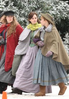 "Emma Watson and Saoirse Ronan - Filming Scenes For ""Little Women"" in Harvard Emma Watson Style, Outfits and Clothes. Celebrity Updates, Celebrity Photos, Celebrity Style, Photo Editing Vsco, Florence Pugh, Woman Movie, Film Inspiration, Emma Watson, Costume Design"