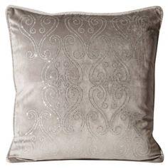 Dekoračné obliečky na vankúše Throw Pillows, Bed, Colors, Cushions, Stream Bed, Decorative Pillows, Decor Pillows, Beds, Scatter Cushions