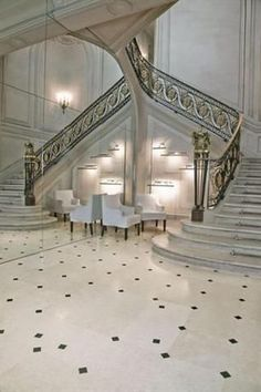 La Maison Champs Elysees (by Maison Martin Margiela) - Paris, France Beautiful Stairs, Beautiful Places, Beautiful Boys, Grande Cage D'escalier, Beautiful Architecture, Architecture Design, Stair Steps, Stair Treads, Staircase Railings