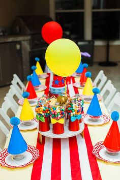 49 Splendid Party Table Decor Ideas For Sixteenth Birthday Birthday Party Centerpieces, Birthday Party Tables, Carnival Birthday Parties, Party Table Decorations, First Birthday Parties, Circus Theme Centerpieces, 50th Party, Birthday Ideas, Circus Carnival Party