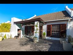 Cosy Home for sale in Paarl with real estate agents Tyree & Shaun Cottage Style Homes, Estate Agents, Cosy, Pergola, Real Estate, Outdoor Structures, Outdoor Decor, Home Decor, Decoration Home
