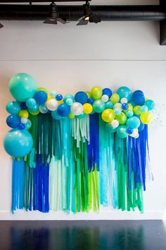 Balloon Garland from Modern Art Gallery Party In Collaboration with Amy Tangerin… Streamer Decorations, Streamer Backdrop, Birthday Balloon Decorations, Birthday Backdrop, Birthday Balloons, Streamers, Shark Party Decorations, Sonic Birthday, Dinosaur Birthday Party