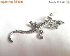 LOVELY Lizard Vintage Brooch Pin Silver Tone With Shiny Scaly texture green eyes by StudioVintage on Etsy