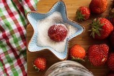 Erdbeerknödel • Die Erdbeere Strawberry, Fruit, Food, Strawberries, Kochen, Simple, Essen, Strawberry Fruit, Yemek