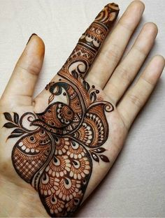 Mehndi is something that every girl want. Arabic mehndi design is another beautiful mehndi design. We will show Arabic Mehndi Designs. Henna Hand Designs, Mehndi Designs Finger, Peacock Mehndi Designs, Simple Arabic Mehndi Designs, Mehndi Designs For Girls, Mehndi Designs For Beginners, Modern Mehndi Designs, Mehndi Design Pictures, Mehndi Designs For Fingers