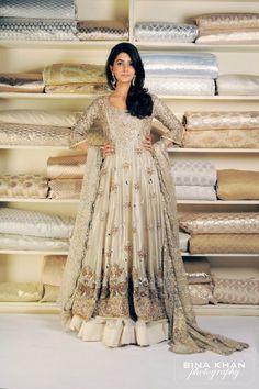 Indian Bridesmaid Dresses- 24 Latest Designs for Bridesmaids ~ niklaus Pakistani Couture, Pakistani Bridal, Pakistani Outfits, Indian Outfits, Eid Outfits, Indian Bridesmaid Dresses, Indian Dresses, Bridal Dresses, Maxi Dresses