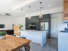 Here are some ideas for contemporary Kitchen furniture you will want to take a look at. Cosy Kitchen, Happy Kitchen, Kitchen Reno, New Kitchen, Kitchen Dining, Kitchen Remodel, Kitchen Ideas, Contemporary Kitchen Furniture, Deco Luminaire