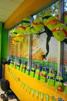 www.craftynotartsy.blogspot.com Teenage Mutant Ninja Turtles birthday party DIY balloons, cake, table setting, goodie bags