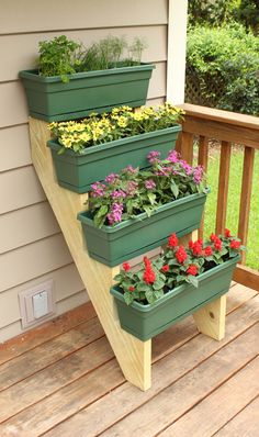 Container Gardening How to Make a Tiered Container Garden Southern Patio is part of Garden How to create a tiered container garden for small gardening spaces - Garden Yard Ideas, Garden Boxes, Garden Projects, Garden Theme, Diy Planters, Garden Planters, Patio Plants, Planter Boxes, Log Planter