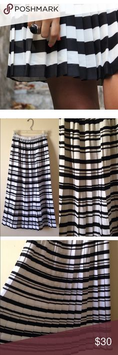 ‼️ ACCEPTING OFFERS ‼️ Excellent condition  Leslie Fay  Size 8 (M or L ) super stretchy Elastic waist. Great quality material  Pleated accordian style Black & white stripe long maxi skirt  Goes past knees, but not floor length   Smoke/Pet free home OFFERS WELCOMED Leslie Fay Skirts Midi