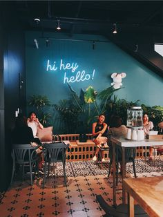 Use These Interior Planning Ideas – Lastest Home Design Cozy Coffee Shop, Coffee Shop Design, Cafe Design, Restaurant Lighting, Cafe Restaurant, Small Restaurant Design, Coffee Shop Aesthetic, Home Room Design, Restaurant Interior Design
