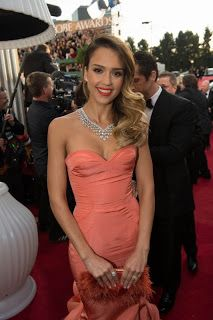 For the Style Seeking Girl: Golden Globes Fashion...  Jessica in an Oscar del a Renta knockout