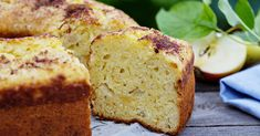 Sour Cream Apple Cake – 12 Tomatoes