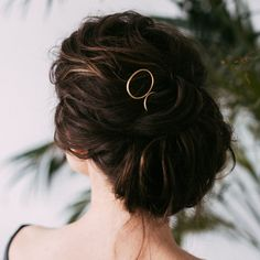 Modern Oval Hair Pin — Favor Jewelry - New Ideas Bobby Pin Hairstyles, Headband Hairstyles, Braided Hairstyles, Dark Brunette Hair, Hair Scarf Styles, Rose Gold Hair, Bridal Hair Pins, Grunge Hair, Hair Sticks