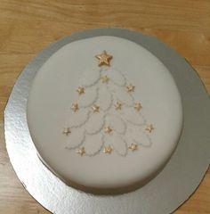 Mini Christmas Cakes, Christmas Cake Designs, Christmas Deserts, Christmas Cake Decorations, Holiday Cakes, Christmas Baking, Bolo Floral, Christmas Biscuits, Crazy Cakes