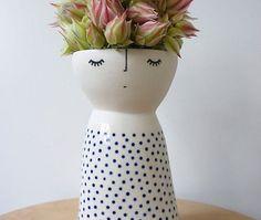 Lanky Miss Fizz – ceramic – stoneware – pottery – vase Lanky Miss Fizz ceramic stoneware pottery von vanessabeanshop Pottery Vase, Ceramic Pottery, Ceramic Art, Slab Pottery, Thrown Pottery, Ceramic Bowls, Keramik Design, Chaise Vintage, Pottery Classes