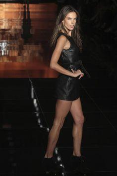 Leathergirlsblog.com_Alessandra_Ambrosio_Colcci_FW_2011__1_.jpg