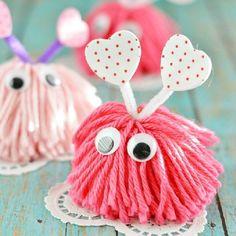 Easy pom pom monster craft for kids