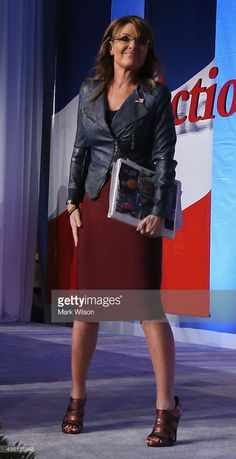 Former Alaska Gov. Sarah Palin (R) after speaking at the 2014 Values Voter Summit September 2014 in Washington, DC. The Family Research Council (FRC) hosting its annual Values Voter Summit inviting conservatives to participate in a straw poll. Sarah Palin Photos, Great Legs, Sexy Older Women, Famous Women, Hermes Birkin, Sexy Outfits, Over The Years, Alaska, Celebs