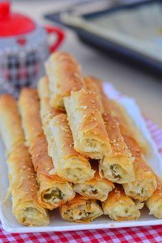 Onion Rings, Hot Dog Buns, Apple Pie, Feta, Ham, Macaroni And Cheese, Ethnic Recipes, Desserts, Favori
