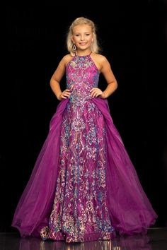 Pagent Dresses, Pageant Dresses For Teens, Gowns For Girls, Pageant Gowns, Girls Dresses, Flower Girl Dresses, Kids Gown, Stunning Girls, Formal Gowns