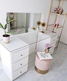 Beautiful simple white and gold beauty room makeup room beauty space Decor Room, Bedroom Decor, Home Decor, Bedroom Ideas, Mirror Bedroom, Small Bedroom Hacks, Bedroom Table, Wall Decor, Built In Dressing Table