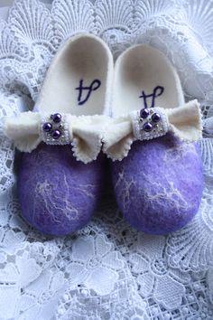 lilac slippers by FeltTati on Etsy, $75.00