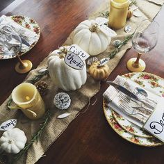 Fall tablescape with decor and pumpkins painted with Chalk Paint® by Annie Sloan | Project by Calgary, Canada Stockist Interiors to Inspire